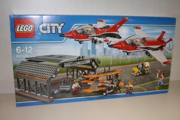 Lego City Hangar mit Dsenj?g